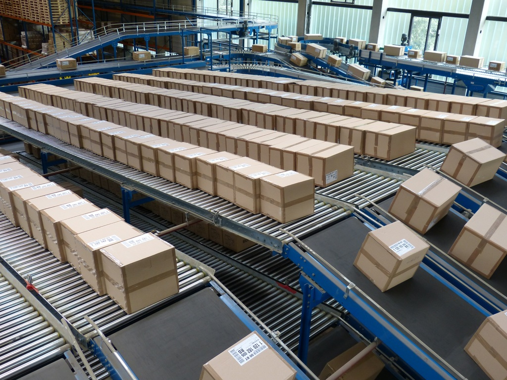 Ultimate Reasons to Choose Cardboard Packaging Over Plastic Packaging for Your Products